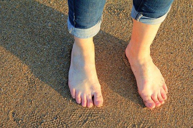 Piedi caviglie